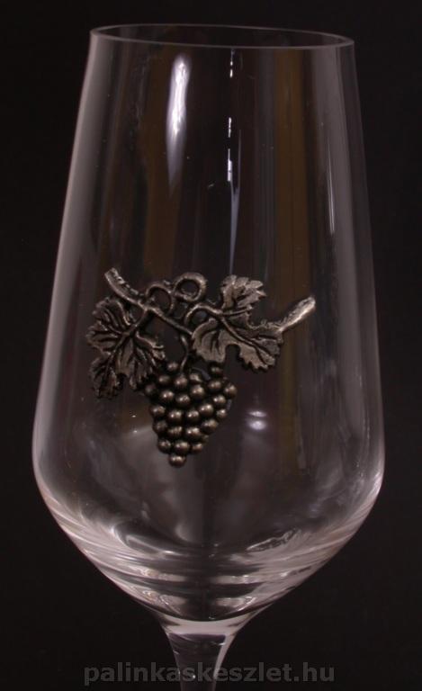 Fehérboros pohár szőlőfürtös mintával