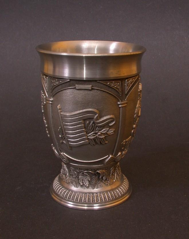 Ón boros pohár László király emlékére