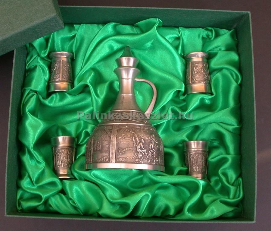 ARTINA ón pálinkás készlet ón pálinkás kancsóval, 4 ón pálinkás pohárral és díszdobozzal.