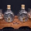 Pálinkás készlet 2 pálinkás csapos hordóval, 6 pohárral, barna fa állvánnyal