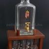 Pálinkás torony 6 pálinkás pohárral, literes csapos pálinkás üveggel, barna fa állvánnyal