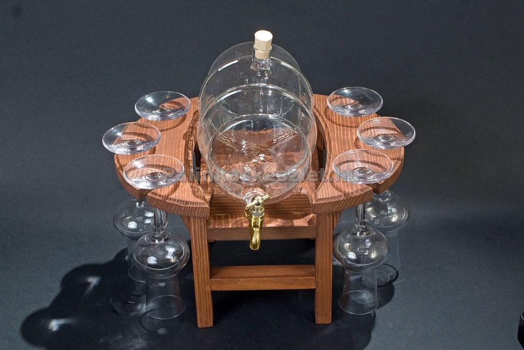 Grappás pálinkás készlet csapos pálinkás hordóval, 6 grappás pálinkás pohárral, fa állvánnyal barna színben