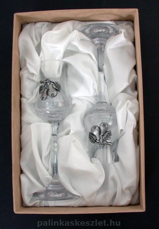 Két grappás pohár díszdobozban körte mintás ón verettel