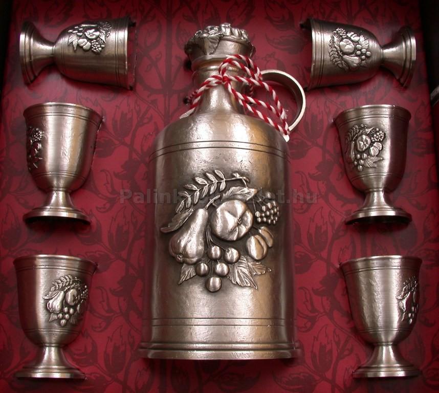 Tiszta ón pálinkás készlet ón kiöntővel és 6 ón pálinkás pohárral