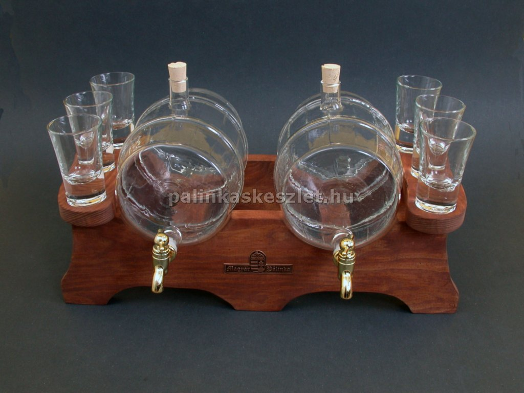 Pálinkás készlet 2 csapos hordóval, 6 pohárral barna színű fa állvánnyal