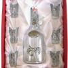 Barack pálinkás készlet csatos pálinkás üveggel, 6 pálinkás pohárral barackot ábrázoló ón verettel díszdobozban.