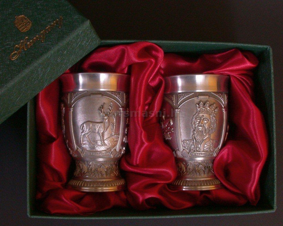 Boros pohár 95% tisztaságú ónból László Király emlékére díszdobozban 2 db-os szett