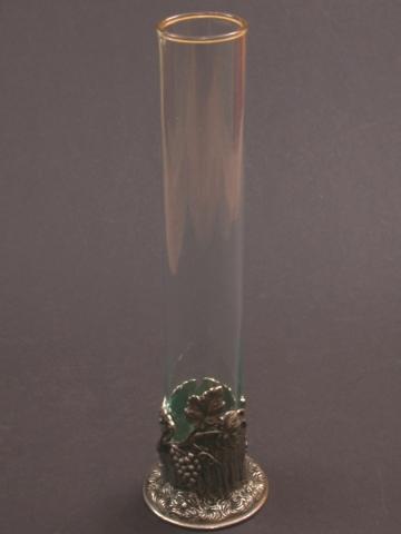 Szőlőmintás váza ónból és üvegből